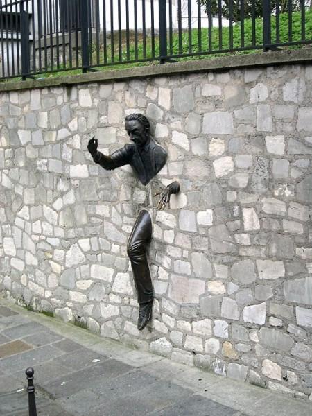 omul-care-trece-prin-ziduri-(www.nagramchez-alice.fr)